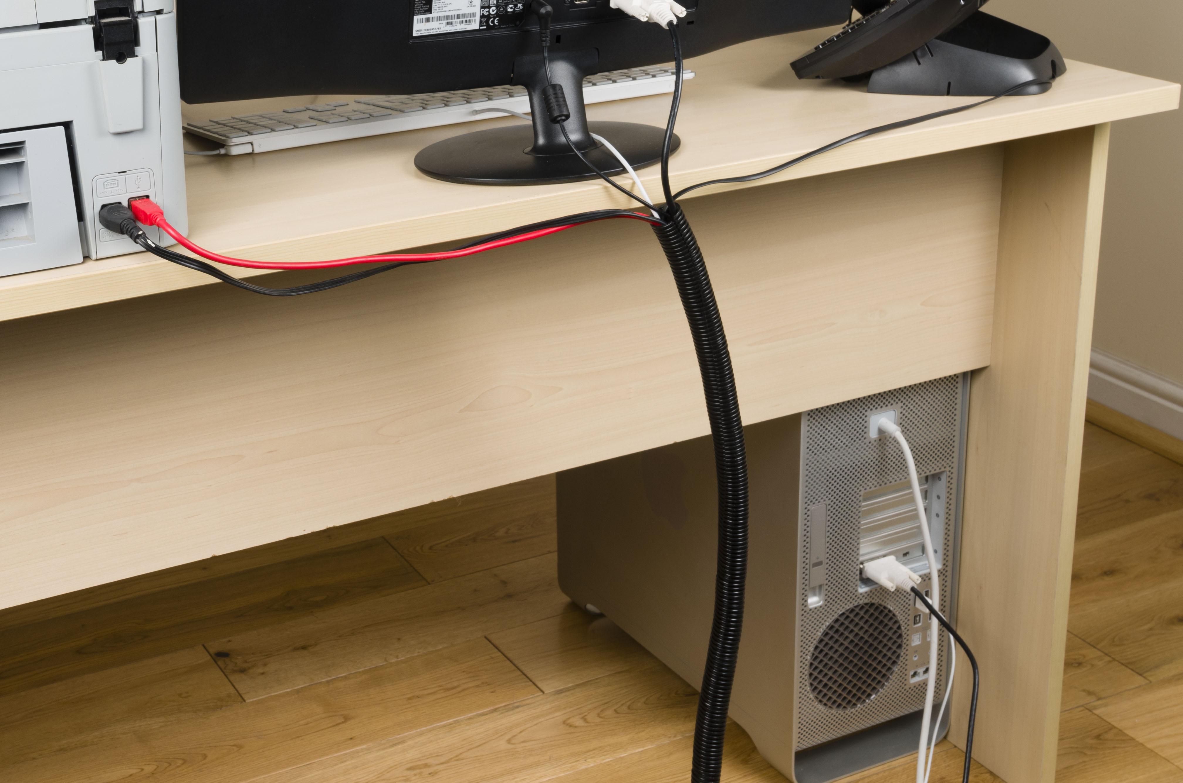 como esconder os fios do computador rs design. Black Bedroom Furniture Sets. Home Design Ideas