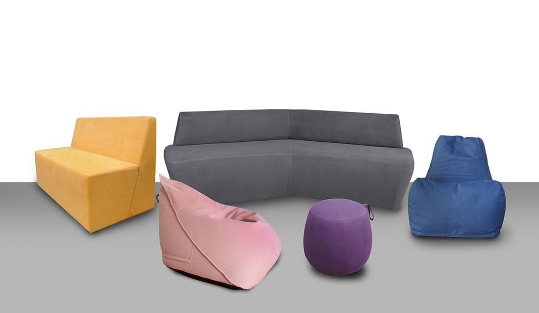 Alguns móveis informais da RS Design que atendem diversos tipos de área de convivência, inclusive em shoppings.
